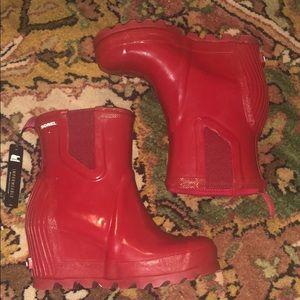 2509069fca3d Sorel Shoes | Nwt Joan Rain Wedge Chelsea Gloss | Poshmark